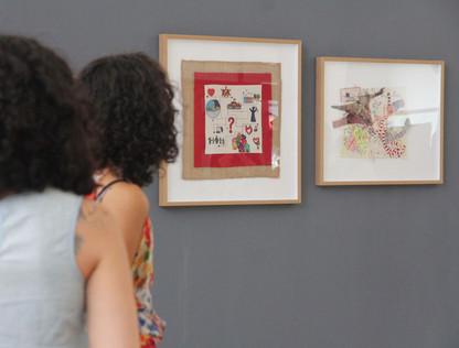 Exposición de trabajos de cartografías bordadas en Centex, Valparaíso, Chile