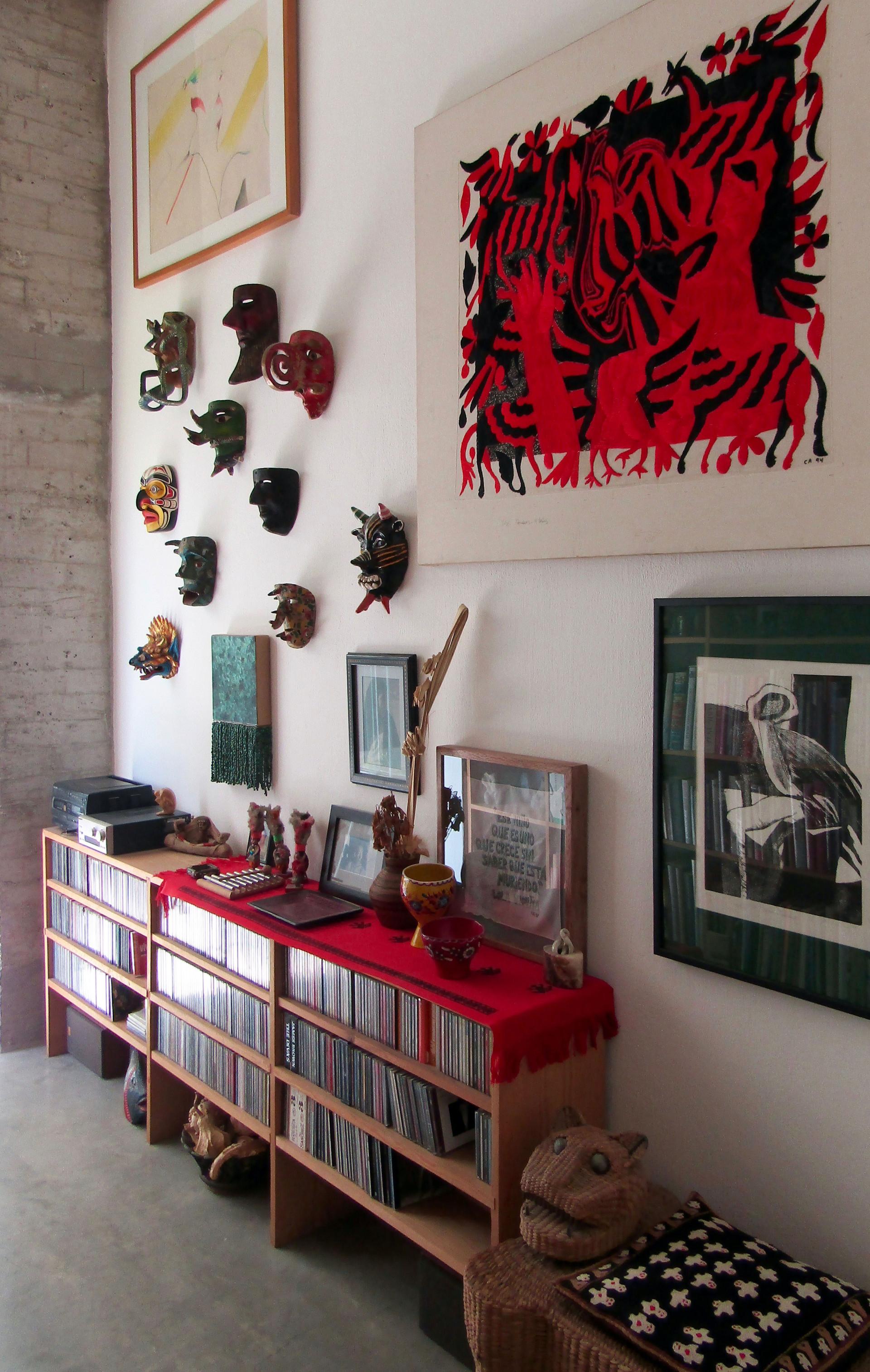Interior de la casa de Carlos Arias