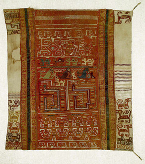 Mantel-Altar Moche-Wari