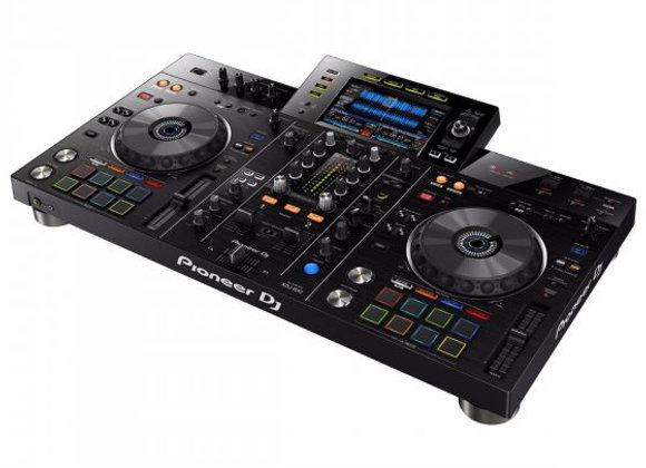 DJ Pult med Pioneer RZ2 i flightcase LEJE 7 dage