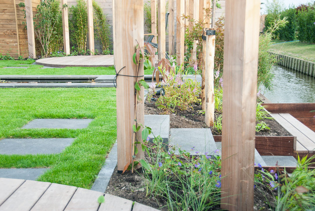 tuin-aan-het-water-33.jpg