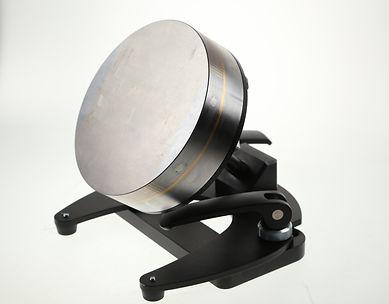 MAGNET-IT  Der verstellbare Magnet mit dem arretierenden Kugelgelenk