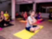 aulas de yoga em coqueiros.jpg