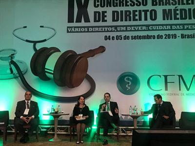 Magistrados abordam em palestras problema legais que afetam a relação médico-paciente