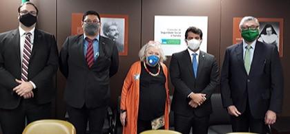Cremesp discute Revalida em Brasília