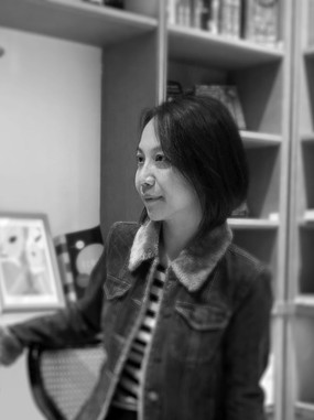 Yvonne Lin, Office Manager
