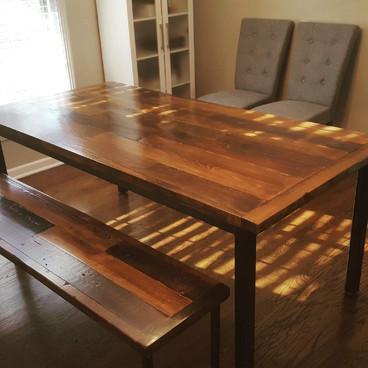 Reclaimed Harvest Table ob Steel Base