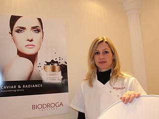 Jasmin Walliser Cosmetics; Kosmetik;Reinach;Manicure;Gesichtspflege;Hot Stone;