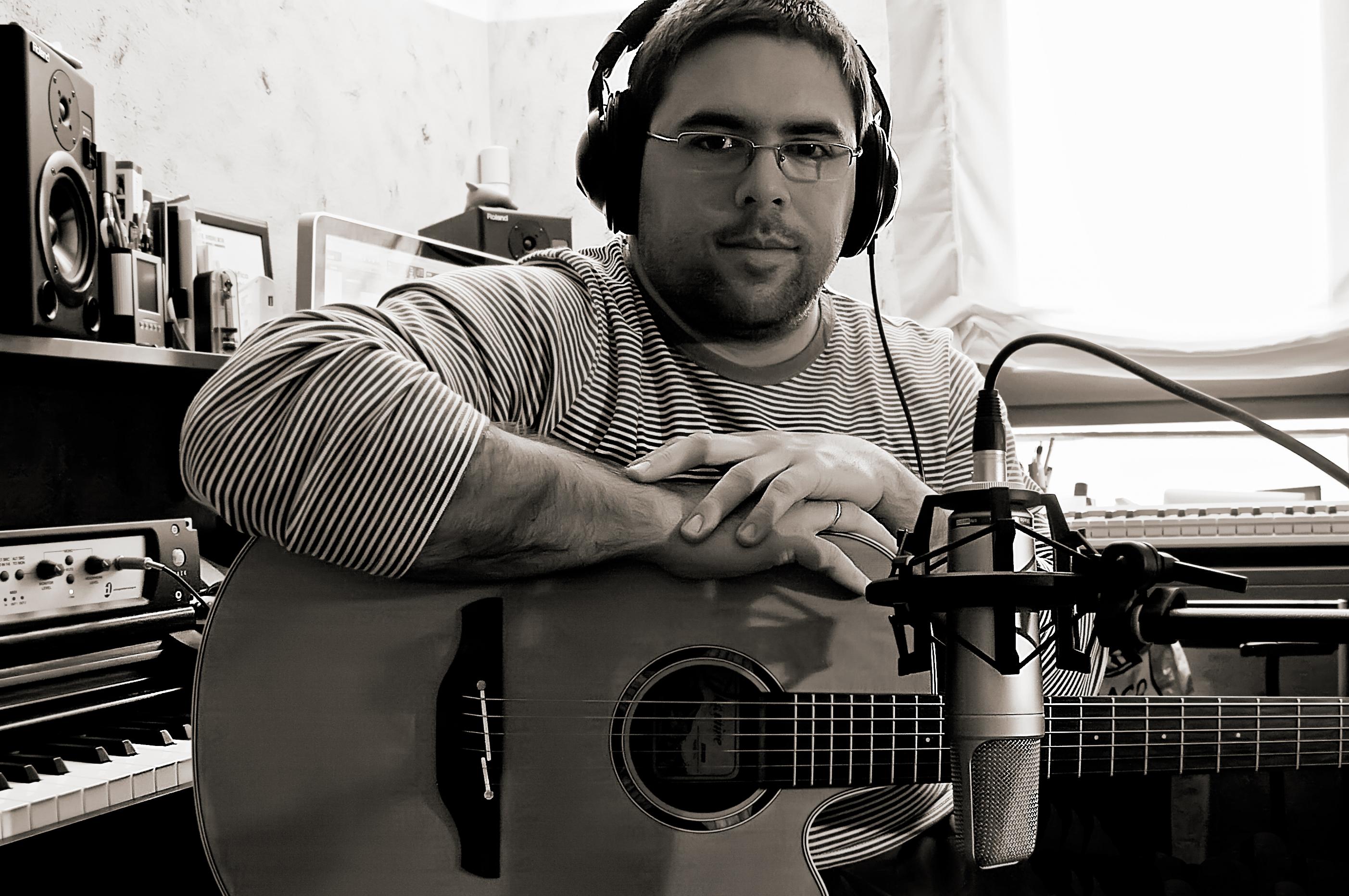 Javi con guitarra
