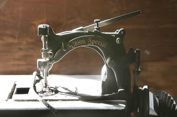 Ferro sewing machine.jpg