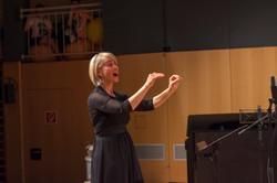 Chorleiterin Bernadette Oberscheider