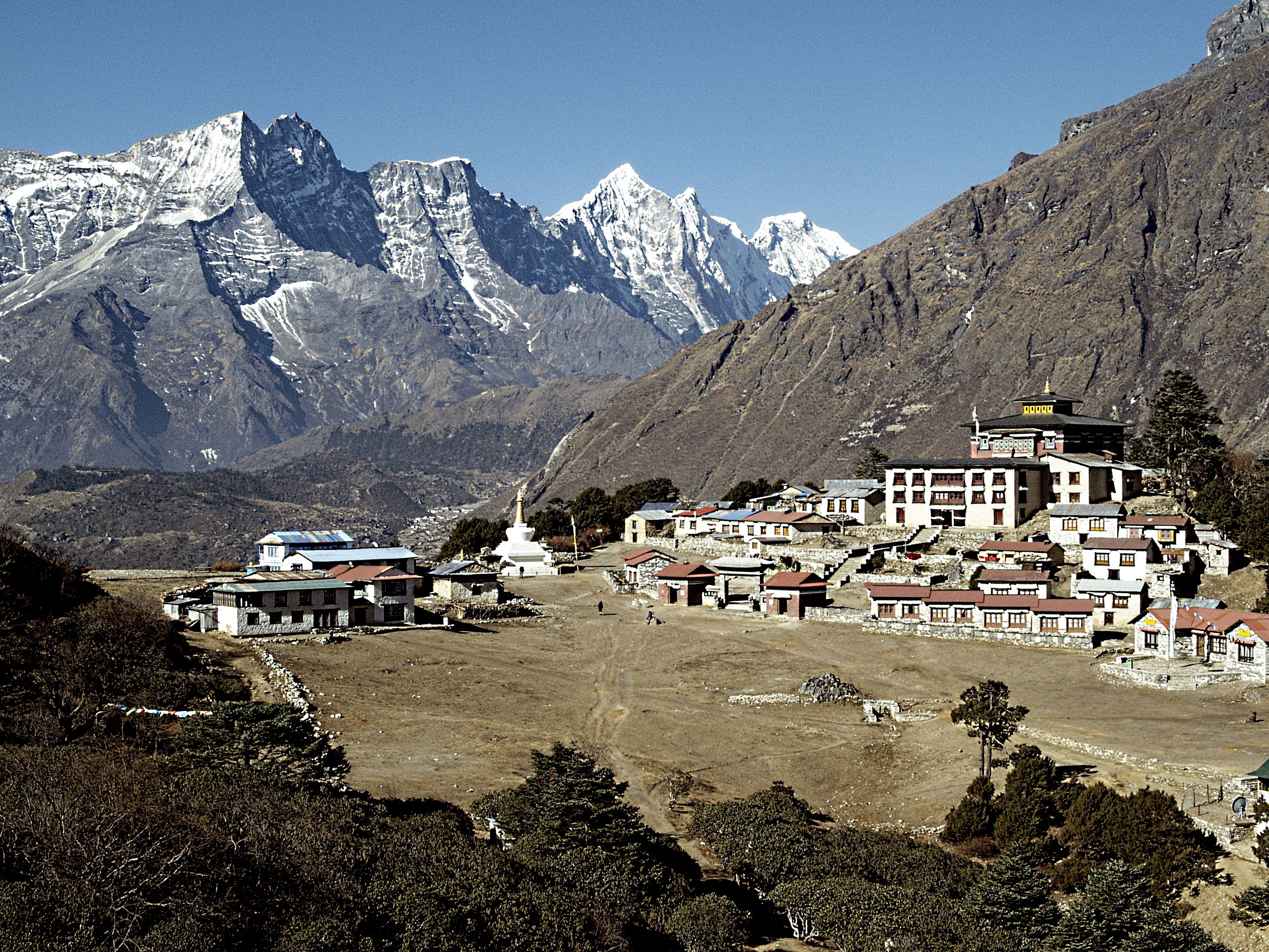 Thengboche and Lumding Himal