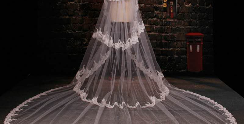 Layla Cathedral Veil