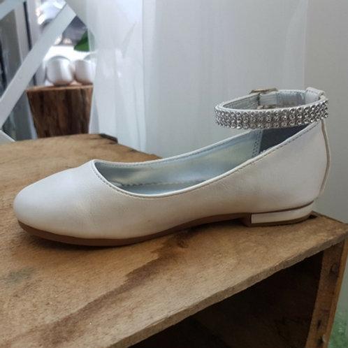 Diamante strap shoe - Ivory Kids and Tween sizing