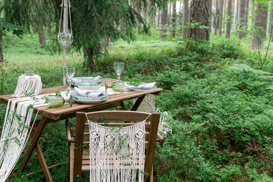Boho style wedding reception dinning tab