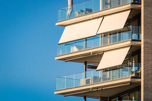 Markise balkong.jpg