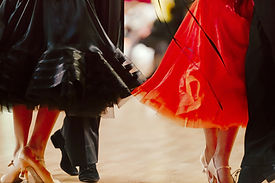 two-pairs-dancers