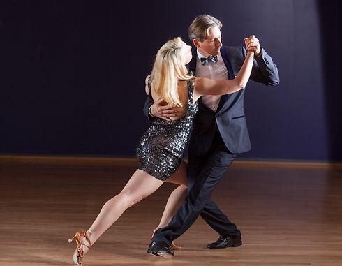 tango-dancing-P2UG288.jpg