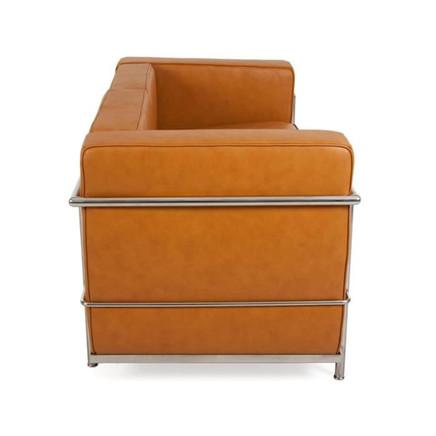 lc2-le-corbusier-2-places-caramel-3.jpg