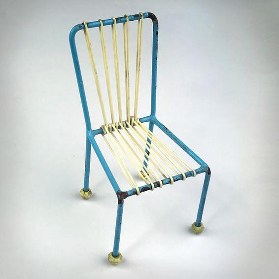 3.2 Krzesła Radomianka 4
