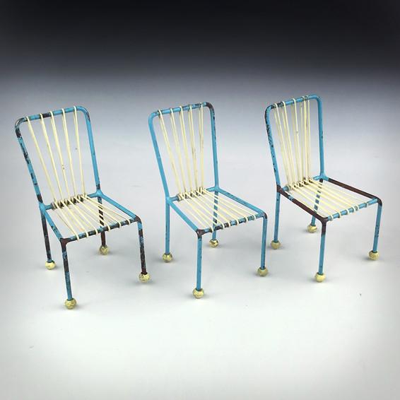 3.2 Krzesła Radomianka 1