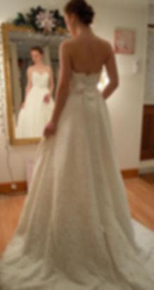 Strapless weddng dress