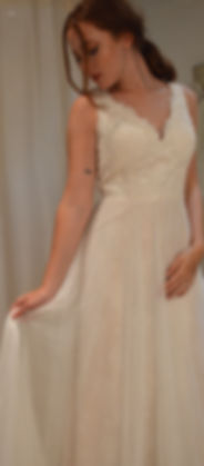 size 14 floaty v neck wedding dress ella by phil collins
