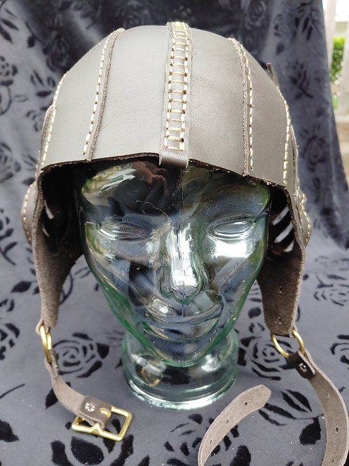 Winged aviator helmet (Chocolate)