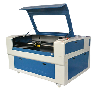 Máquina CNC de core e gravação laser