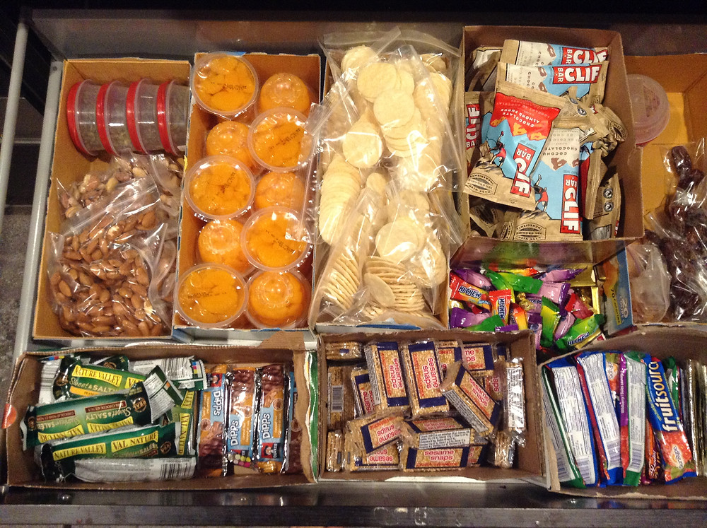 Organized kids school lunches