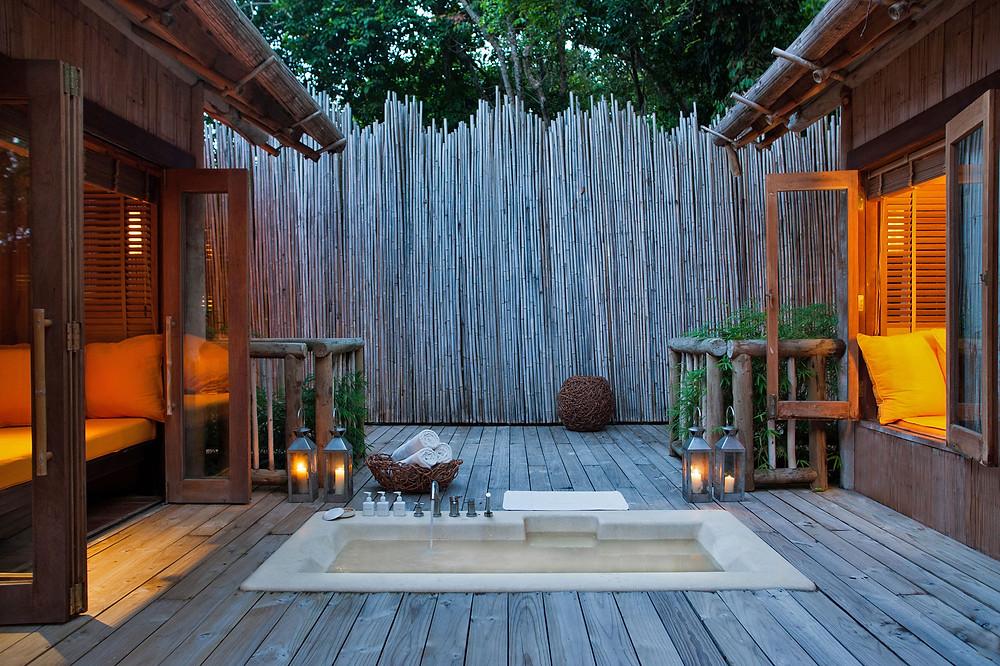 Outdoor Sunken Bathtub (Antonina Gern)