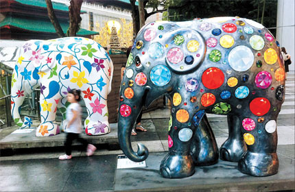 Matthew Cambell Laurenza: Elephant