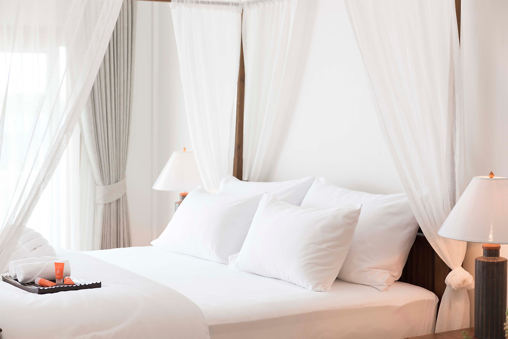 Luxurious bed linen, towels and pillows at The Tippanet hotel