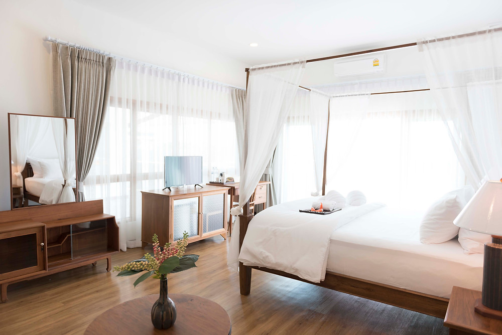 Spaciously appointed rooms are bright and homely at The Tippanet