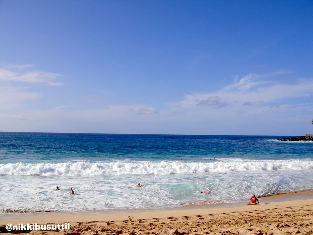 Surf at Waimen Bay, Northshore, Oahu, Hawaii