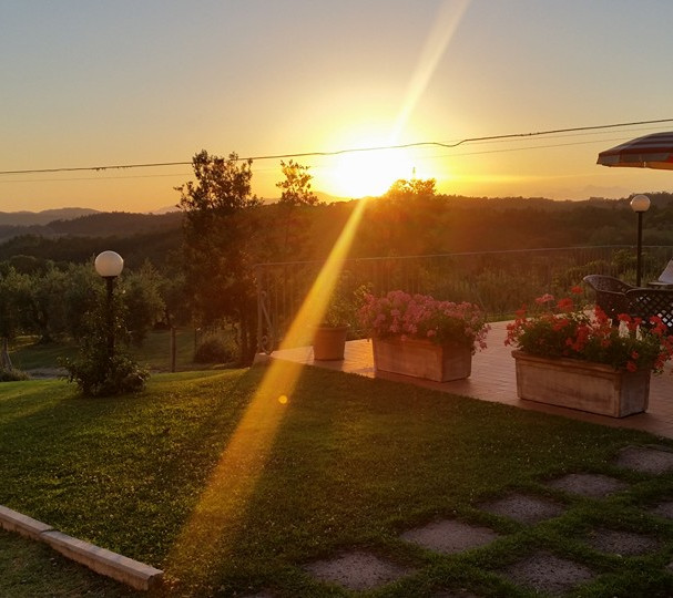 Terrazza tramonto.jpg