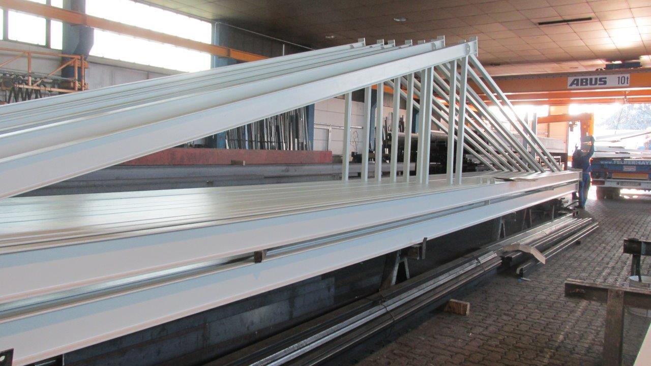 Stahlkonstruktionen Hallenbau
