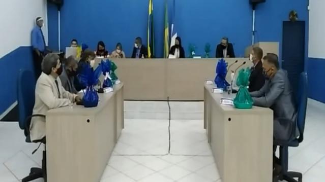 Vereadores aprovam por unanimidade requerimento para construção de terminal rodoviário