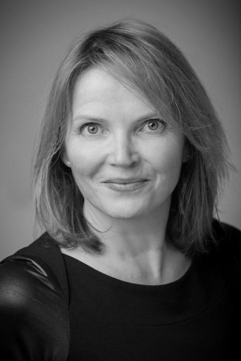 Mme Josée Darche, MBA, CFRE