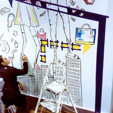 Muse paints a mural in NYC