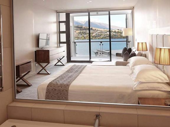 executive lake room.jpg