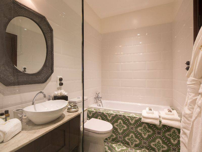 hulbert_house_bathroom-2.jpg
