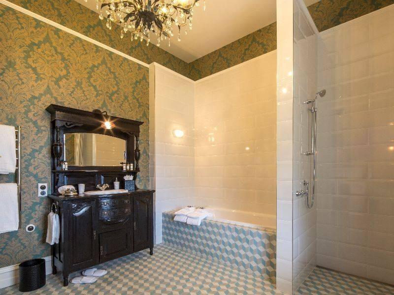 hulbert_house_firth_bathroom-2.jpg
