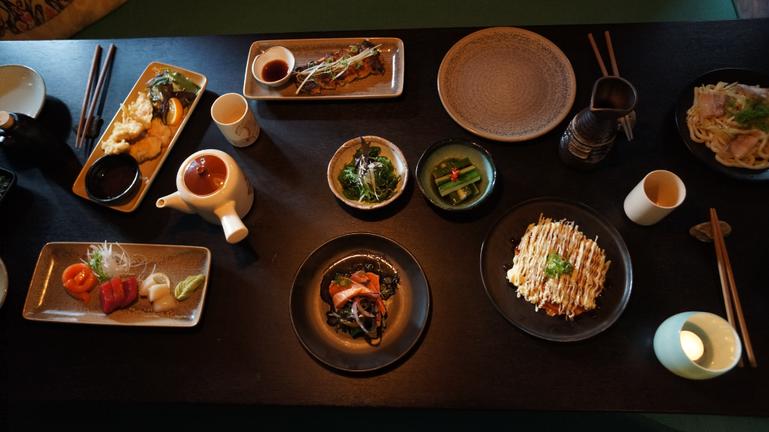 Tanoshi Meal.