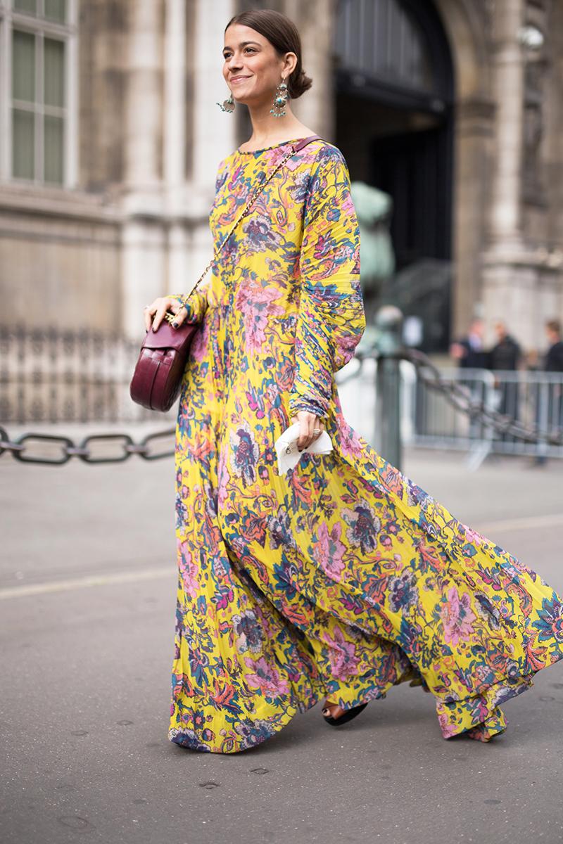 paris-fashion-week-street-style-spring-2018-amanda-alagem-yellow-floral-dress