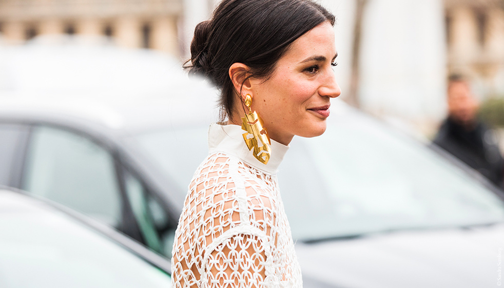 street_style__11_statement_earrings_qui_nous_inspirent_7914.jpeg_north_982x_white