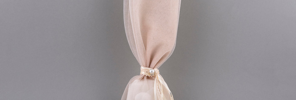 Μπομπονιέρα γάμου με τούλι & πέρλα