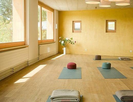 yoga-auszeit-in-im-hotel-sterna-feldis.j