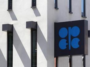 مجموعة أوبك بلس مطالبة بتخفيض إنتاج النفط بأكثر من مليونين برميل لتعويض الفائض في الإمدادات