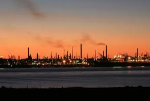 نقص إمدادات النفط الثقيل تعيق مصافي التكرير في الولايات المتحدة